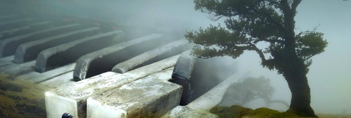 Escribir desde el alma. Paisaje con niebla y piano.